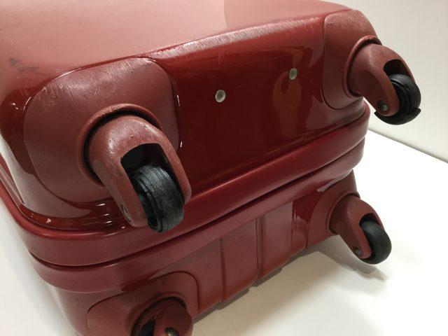 スーツケースのキャスター交換が完了しました(愛知県名古屋市K様)before