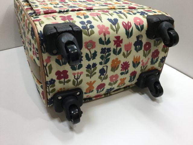 Alexander Girard(アレキサンダージラルド)のスーツケースのキャスター交換が完了しました(愛知県名古屋市H様) after