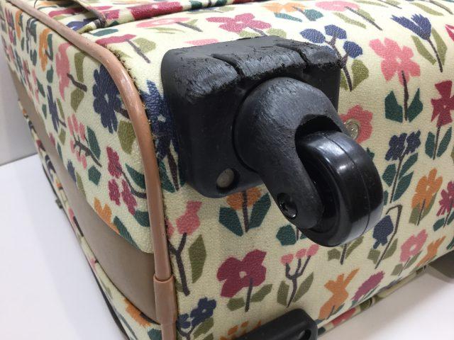 Alexander Girard(アレキサンダージラルド)のスーツケースのキャスター交換が完了しました(愛知県名古屋市H様)after02