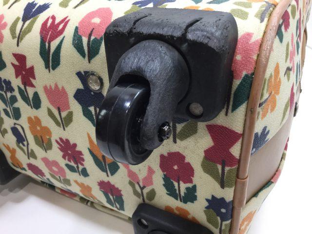 Alexander Girard(アレキサンダージラルド)のスーツケースのキャスター交換が完了しました(愛知県名古屋市H様)after03