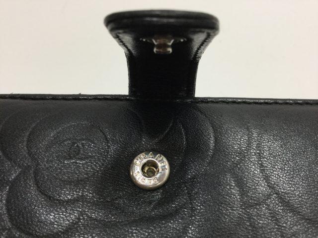 Chanel(シャネル)のお財布のホック交換修理が完了しました(愛知県津島市Y様) before