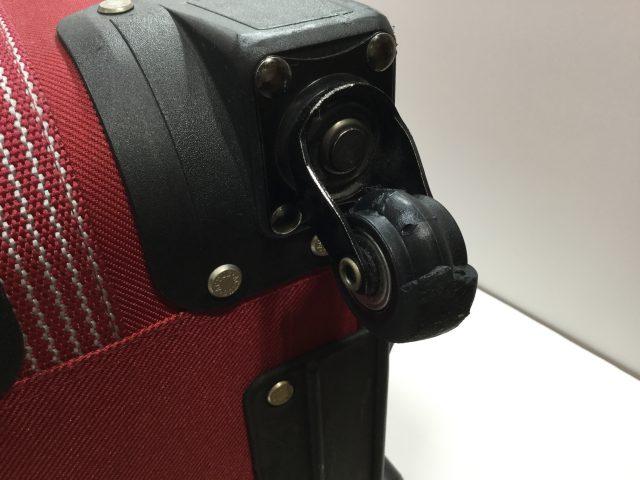 ACTUS(アクタス)のスーツケースのキャスター交換が完了しました(愛知県名古屋市H様)before02