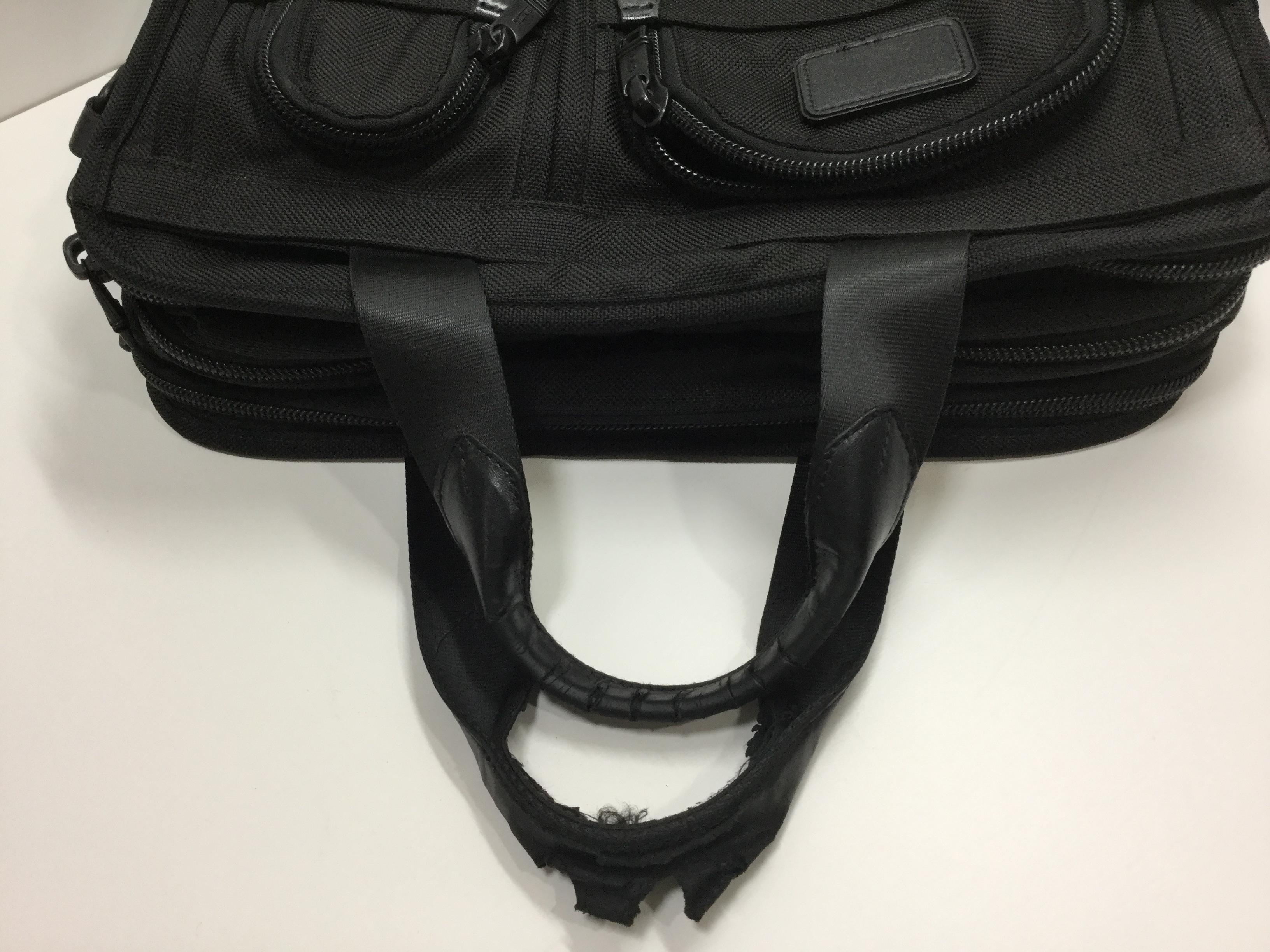 TUMI(トゥミ)のブリーフケースの持ち手革交換が完了しました(愛知県名古屋市T様)before02