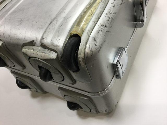 ZERO HALLIBURTON(ゼロハリバートン)のスーツケースのキャスター交換が完了しました(愛知県春日井市I様)before02