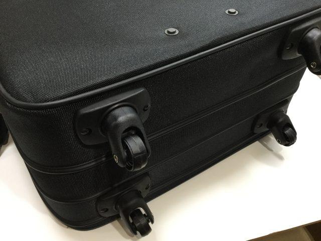 マルエム松崎のスーツケースのキャスター交換が完了しました(愛知県名古屋市F様) before