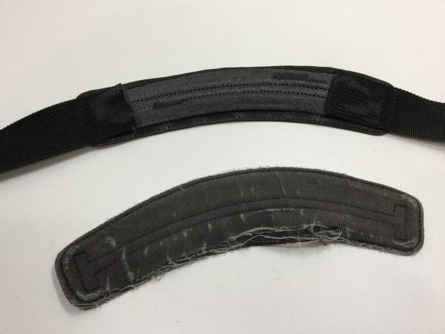 TUMI(トゥミ)のバッグのショルダーベルトのパットの裏側の交換が完了しました(愛知県名古屋市K様)before02