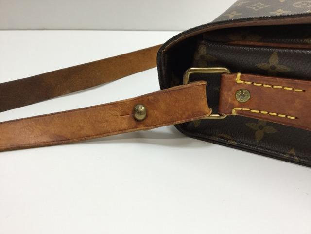 LOUIS VUITTON(ルイ ヴィトン)モノグラム キャンバス カルトシエールバッグの蓋のベルト・ショルダーベルトの作成・交換が完了しました。 (愛知県名古屋市K様)before05