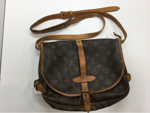 Louis Vuitton(ルイ・ヴィトン)のバッグのショルダーベルト交換が完了しました(愛知県刈谷市K様) before